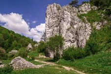 Free Rock Climbers - Brama Bolechowicka, Bolechowice, Poland Royalty Free Stock Photo - 84952905