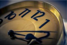 Free Analog Clock Stock Image - 84954771