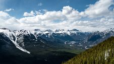 Free Mountain Valley Stock Images - 84955714