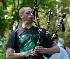 Free Bagpiper Don Of Nae Regrets Playing 4 Stock Photos - 84956073