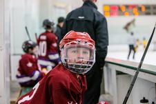 Free Youth Hockey Player Royalty Free Stock Image - 84956556