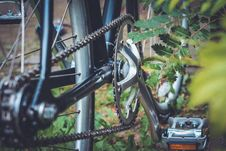 Free Black And Gray Bicycle Plate With Pedal Stock Photo - 84958730