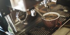 Free Espresso Brewing Stock Photo - 84960350