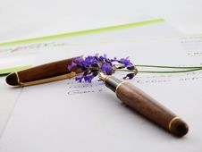 Free Brown And Black Click Pen Royalty Free Stock Photography - 84963797