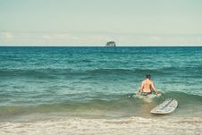 Free Male Surfer With Surfboard In Ocean Royalty Free Stock Photography - 84966047