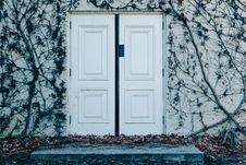 Free Double Doors Stock Photo - 84966130