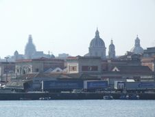 Free Italy-Porto_di_Catania - Creative Commons By Gnuckx Royalty Free Stock Photos - 84969228