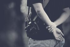 Free Photographer Holding Hands Behind Royalty Free Stock Photo - 84969745