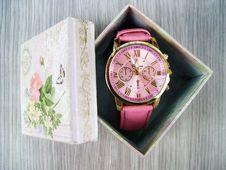 Free Ladies Wristwatch In Gift Box Stock Photo - 84970710