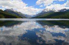 Free Calm Mountain Lake Stock Photo - 84971260