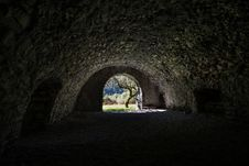 Free Picture Of Concrete Tunnel Stock Photo - 84996130