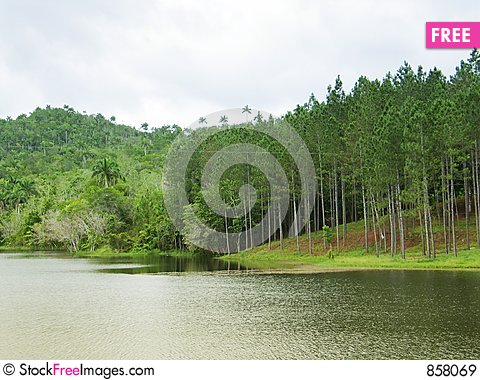 Free Beautiful Lake Landscape Royalty Free Stock Images - 858069