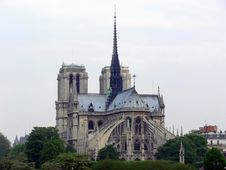 Free Notre Dame De Paris Royalty Free Stock Photo - 859325