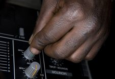 Free Hand Of The Dj On The Mixer Royalty Free Stock Photography - 8500737