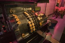 Free Old Saloon Cash Register Royalty Free Stock Photography - 8501797