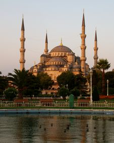 Free Blue Mosque Royalty Free Stock Image - 8501986