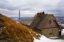 Free Mountain Hut Royalty Free Stock Image - 8503696