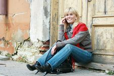 Free Young Woman Using Cell Phone Stock Photos - 8503943