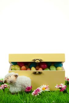 Free Box Of Easter Eggs And Cute Sheep Royalty Free Stock Photo - 8504595
