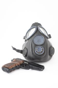 Free Pistol And Gas Mask Royalty Free Stock Photos - 8505198