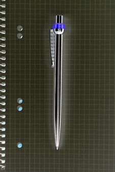 Free Unnatural Ballpoint And Notepad. Stock Photography - 8506442