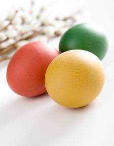 Free Colorful Easter Eggs And Yellow Tulips Stock Photos - 8507543