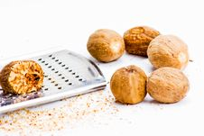 Free Nutmeg And Grater Royalty Free Stock Photos - 8508198