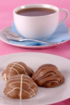 Free Tea And Biscuits On Pink Royalty Free Stock Photos - 8510098
