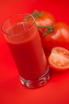 Free Tomatoes And Tomato Juice Royalty Free Stock Photography - 8510487