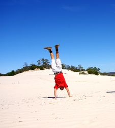 Free Desert Handstand Royalty Free Stock Photo - 8512145