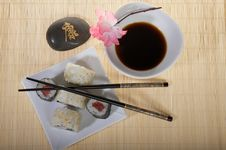 Free Sushi Plate With Chopsticks And Flower Stock Images - 8513734