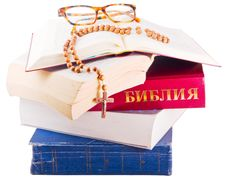 Free Open Bible With Rosary And Glasses Stock Photos - 8518983