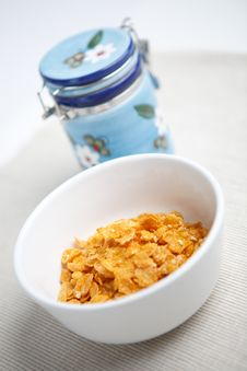 Free Milk And Cornflakes Royalty Free Stock Photo - 8519445