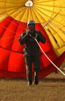 Free Parachutist On Ground Stock Photo - 85136060