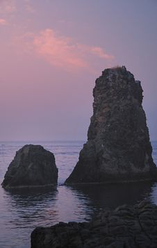 Free Islands Of The Cyclops At Dawn Sicily Italy - Creative Commons By Gnuckx Stock Image - 85155251