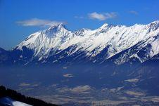 Free Snow Capped Mountain Peaks Royalty Free Stock Photos - 85157668