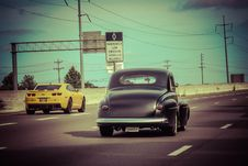 Free Classic Car On Highway Royalty Free Stock Image - 85183726