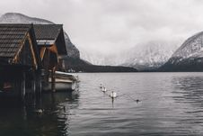 Free Boat Houses On Glacial Lake Stock Photos - 85183863