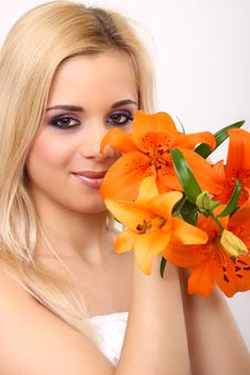 Free Fashion Woman With Flower Royalty Free Stock Photo - 8520565