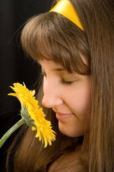 Free Portrait Of Beautiful Girl With Yellow Flower Stock Photography - 8521092