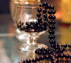 Free Black Beads In A Tall Stock Image - 8522081