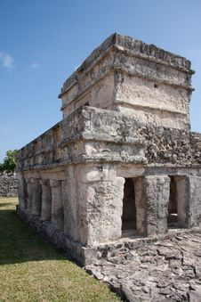 Free The Temple Of Paintings At Tulum Royalty Free Stock Photography - 8531097