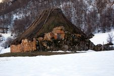 Free Cabin On The Rock. Royalty Free Stock Photos - 8532948