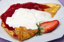 Free Pancake With Fruit Royalty Free Stock Photo - 8533495