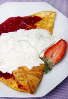 Free Pancake With Fruit Royalty Free Stock Photos - 8533498