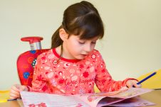Free Girl Drawing Stock Photos - 8536793