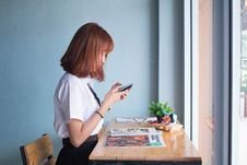 Free Girl Using Mobile Phone At Home Royalty Free Stock Image - 85361826