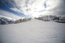Free Ski Slope In Italian Dolomites Royalty Free Stock Photography - 8540807