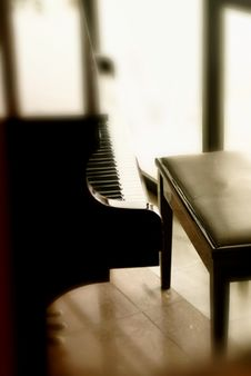 Free Piano Royalty Free Stock Images - 8543709