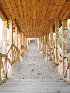 Free Covered Wooden Passage Royalty Free Stock Photography - 8544927